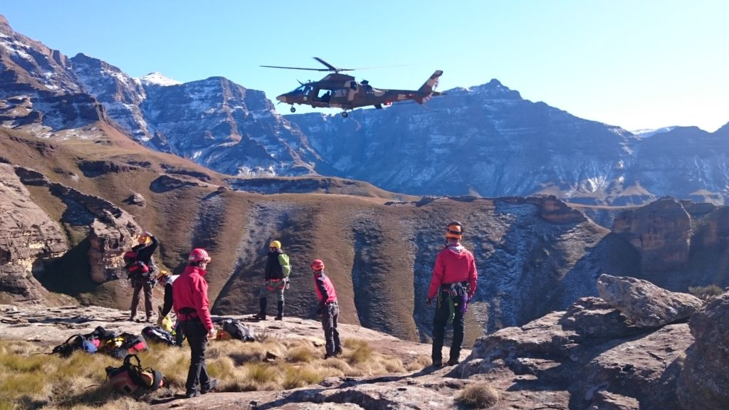 search-and-rescue-training-in-the-drakensberg2